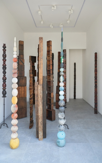 Choi Jeong Hwa's solo exhibition 'Origin, Originality' was held at P21 in 2017.