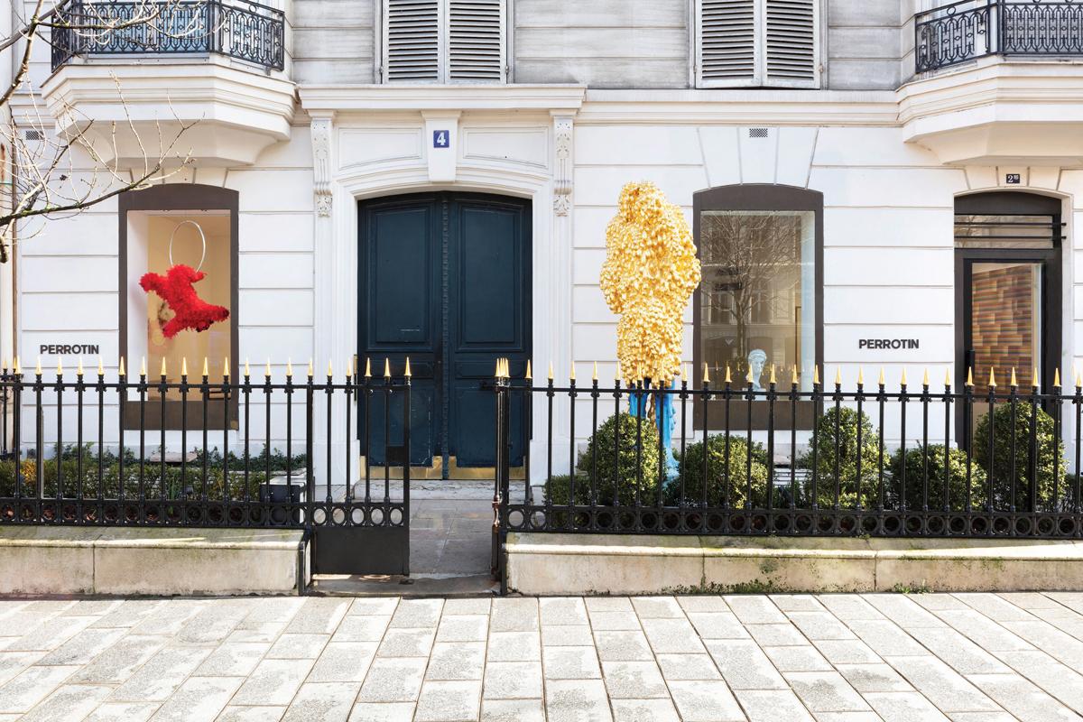 Street view of Perrotin's space on Avenue Matignon